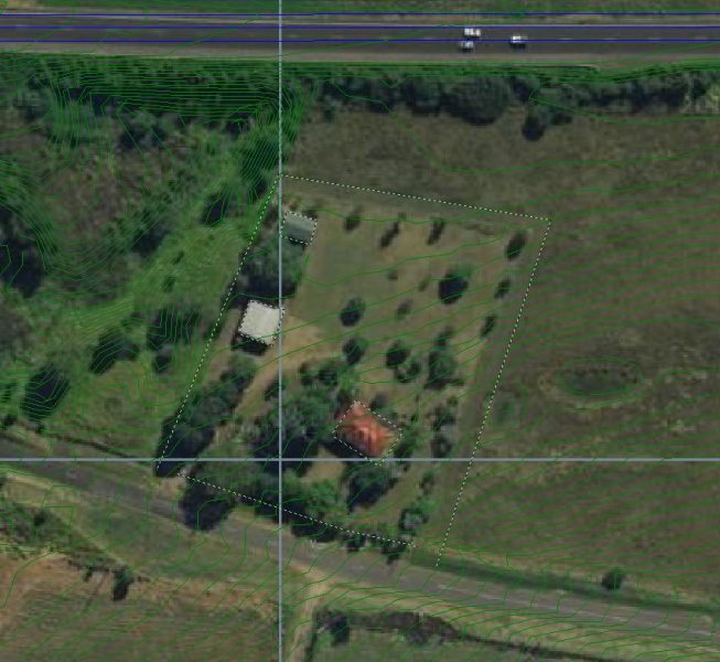 Step 2:  Select the site to be investigated and digitise the dwellings and buildings as noise barriers.  Make the boundary fence open away from the road